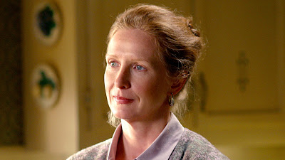 Frances Conroy en Ruth Fisher, mère-courage dans Six Feet Under