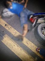 Em Nova Floresta homem em moto colide na traseira de caminhão e fica gravemente ferido