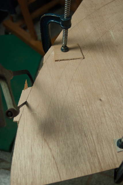 Jigsaw curve wood cut