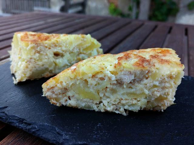 Tortilla de patatas. Mozzarella y bonito