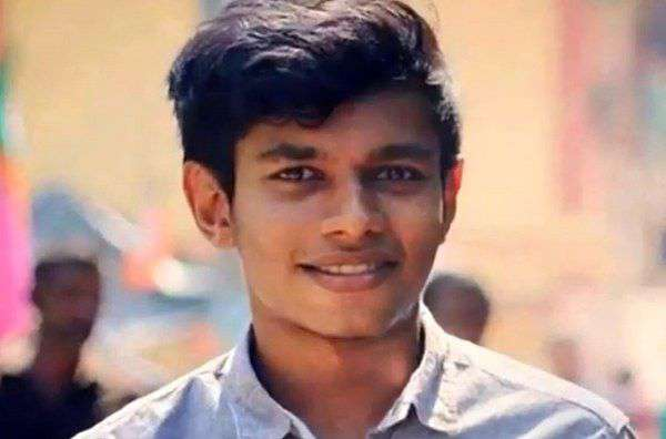Facebook awards Kochi teenager $500 for spotting WhatsApp bug