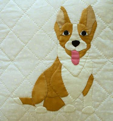 Funda de cojín con aplicaciones de patchwork. Raza de perro Corgi