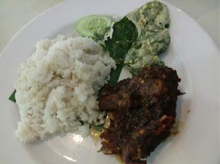 Ayam Bumbu Potre Koneng