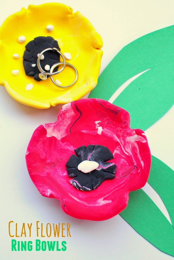 kids craft for Mother's Day gift- clay flower ring bowls, super easy and super fun!