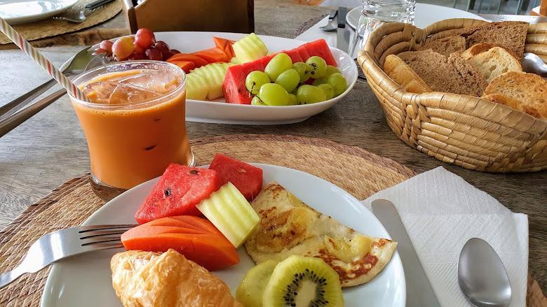 別墅內的早餐,超愛泰式奶茶