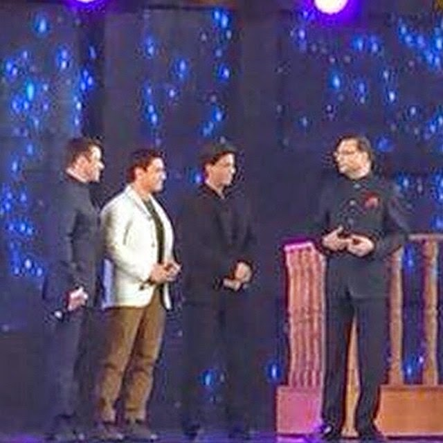 srk, aamir and salman together at the 21st anniversary of aap ki adalat.'!!!!! i find this sooo awesome!! my three fav actors together at last! 🙌😆 shah rukh khan , srk , khan , king khan , salman khan , aamir khan , sal u , india , india ,ncinema a p pk i ada lat , india , india ,ncinema bollywood , bollywood ,actor bollywood movies , bollywood ,news actor , celebrity , amazing ,, Salman, Aamir, shahrukh Khan aap ki Adalat Pics