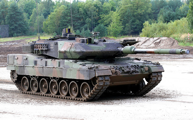 German Leopard 2 Tank Battle