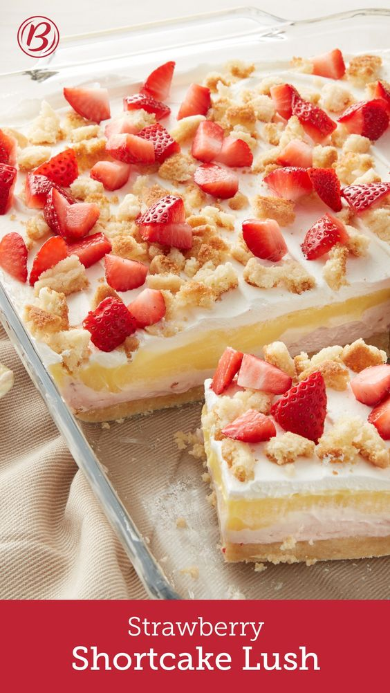 Strawberry Shortcake Lush #strawberry #shortcake #cake #cakerecipes #lush #dessert #dessertrecipes