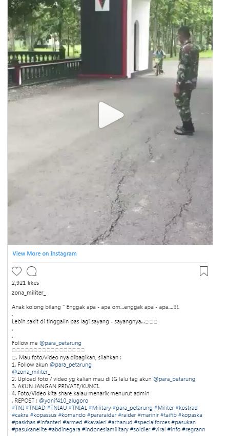 Viral bocah bersepeda di markas TNI & tabrak senapan, bikin ketawa