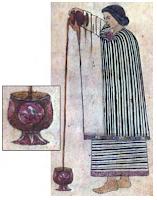 mujer azteca vertiendo chocolate