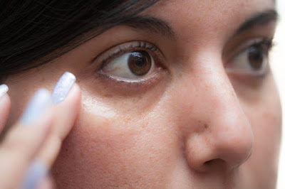 skin eye