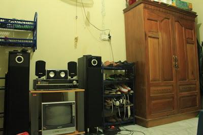 tips menata kamar kos sederhana dan minimalis - diary naya