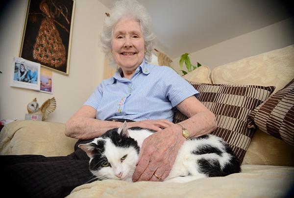 Rosalyn-Charlie-Cat