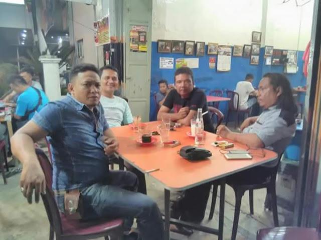 Calon pengurus IWO Asahan-Batubara Dari Kiri ke Kanan: Zainal Arifin, Doli Simbolon, Muhammad Yunus, Syafruddin Yusuf.