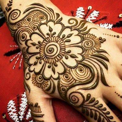 beautiful-mehndi-designs-for-hands