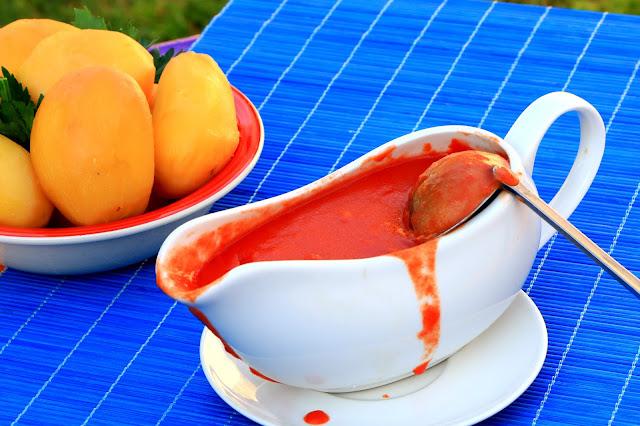 Sos-od-paradajza-Vojvođanski-nedeljni-ručak