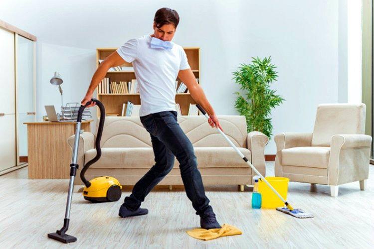 Temizlik yapan erkek eşi için iyi bir yardımcı ve çocuklarınada iyi bir örnektir.