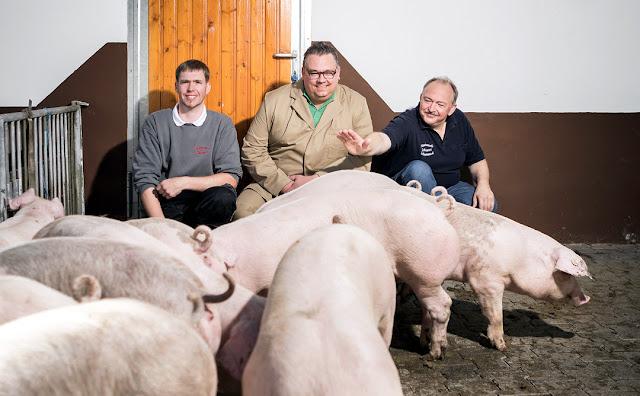 Auf dem St. Antoniushof bei Abtweiler an der Nahe kümmert sich Familie Schappert täglich um das Wohl ihrer Tiere