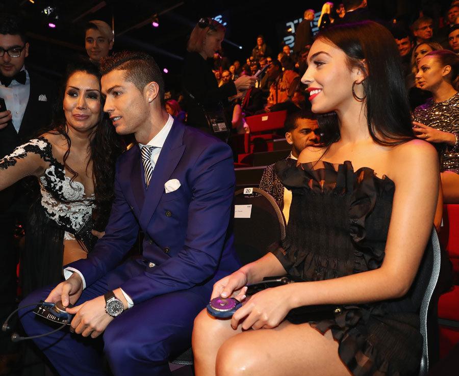 Fotos de la nueva novia de Cristiano Ronaldo. Por eso no deja de meterla…. FOTO 2B1