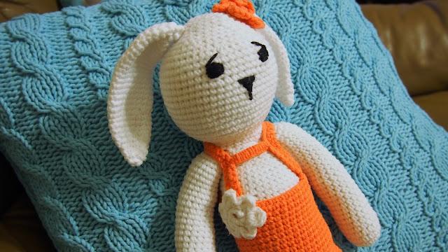 Przygoda z amigurumi, czyli szydełkowy królik