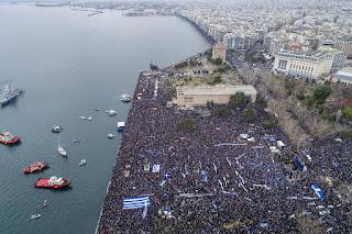 Το «σύστημα» έχει αποκοπεί  πλήρως από την ελληνική κοινωνία