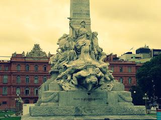 Detalhe do Monumento a Cristóvão Colombo, em Buenos Aires