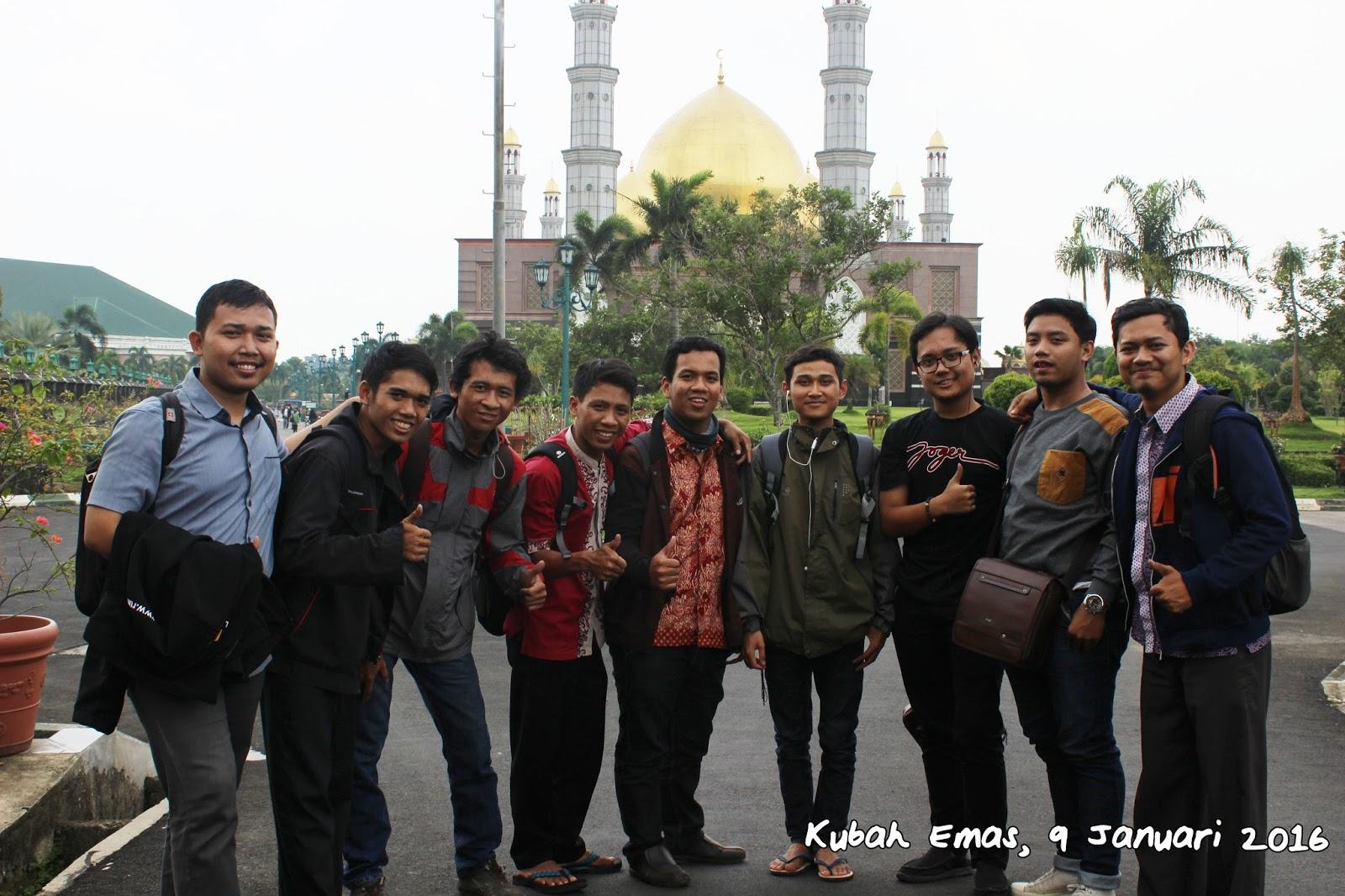 HANIF BLOGZ ekonomi syariah Uika Bogor jalan alan di