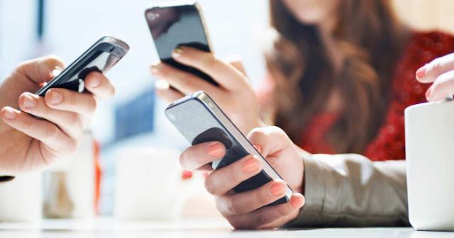 11 Perilaku Orang yang Berbohong Padamu Lewat text