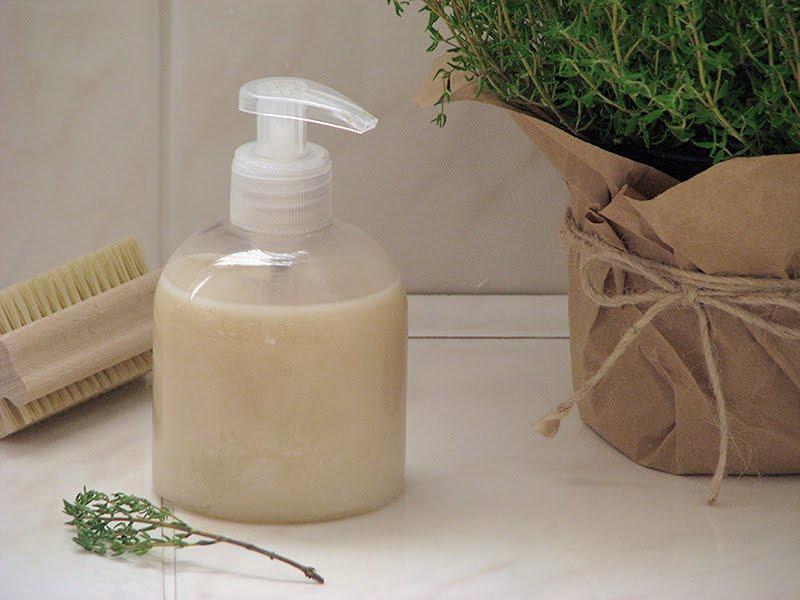 Recette savon liquide main bio wm14 jornalagora - Huile essentielle desinfectant linge ...