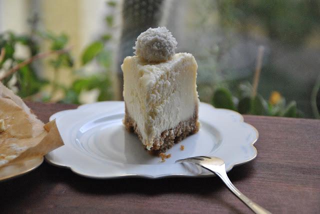 Ein Stück Cheesecake mit Raffaello, bitte!