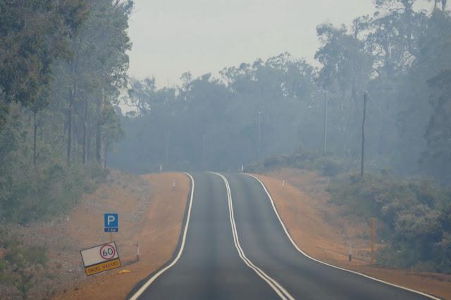 Rauch, Buschfeuer, Strasse, Australien, gefährlich, tipp, fotografieren