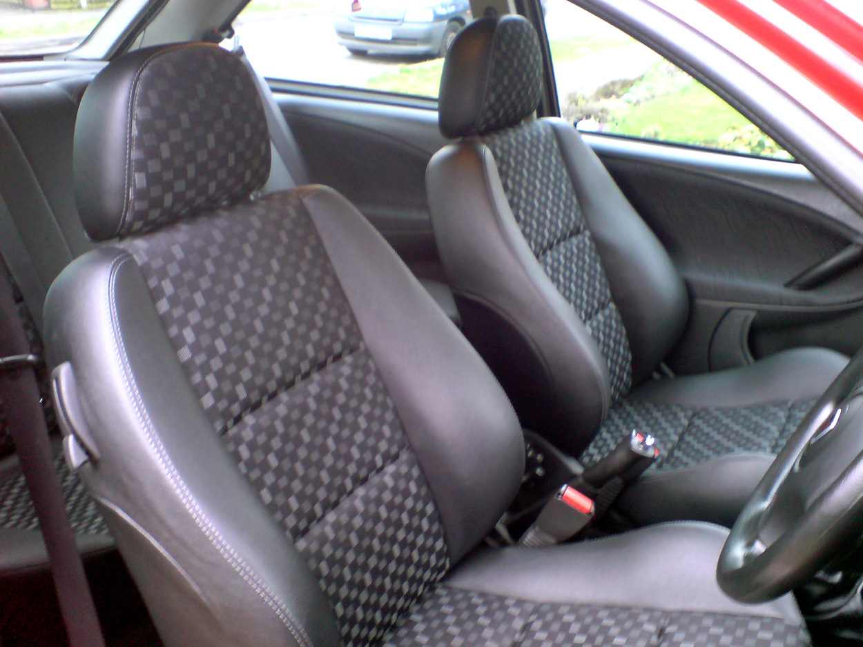 Wondrous New Mg Zr Half Leather Matrix Seats Mg Rover 25 Build Blog Machost Co Dining Chair Design Ideas Machostcouk