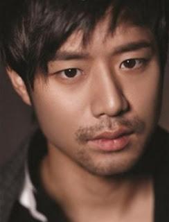 Biodata Chun Jung Myung pemeran Moo Myung-yi / Choi Soon-seok