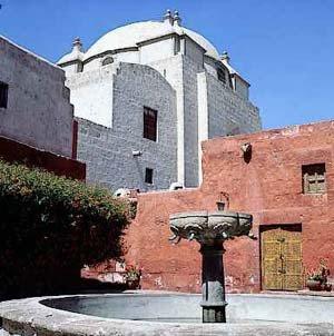 Foto al Monasterio de Santa Catalina - Arequipa