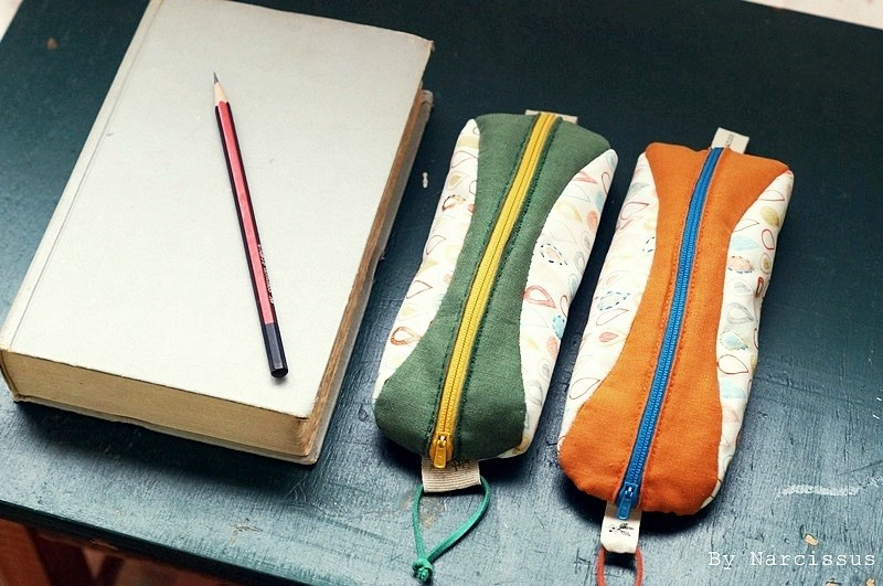 Handmade DIY Zipper Pencil Case Tutorial in Pictures.