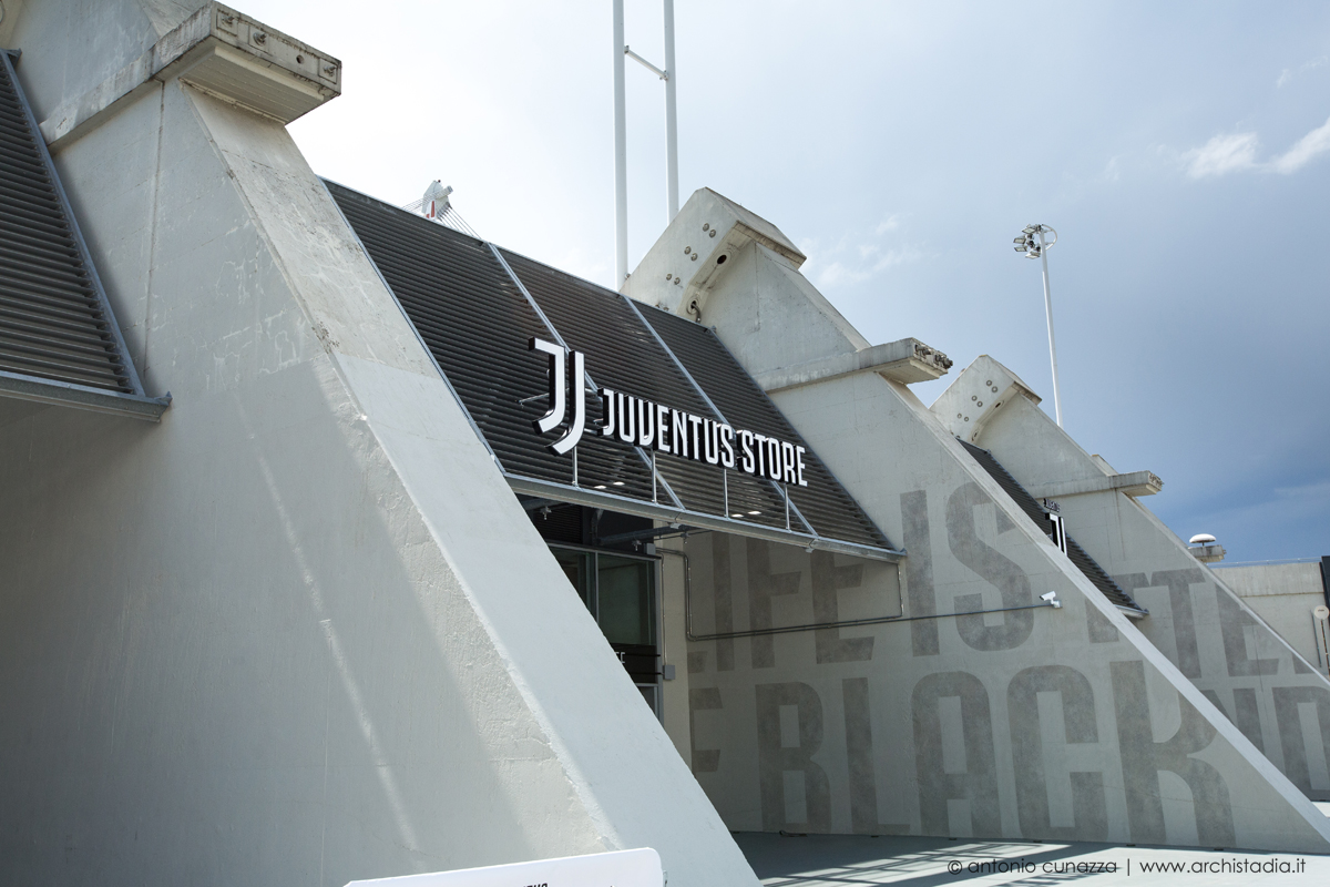 nuovo logo juventus store allianz stadium
