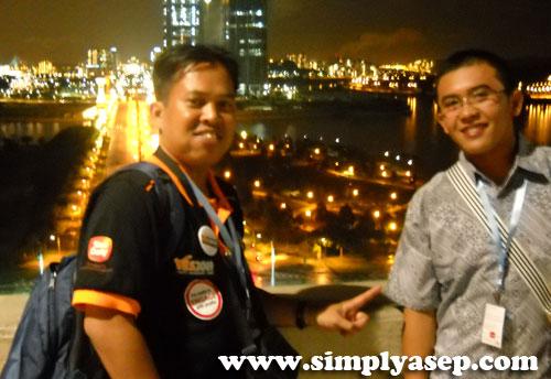 YES : Penulis bersama Angga Dwimartha saat mengikuti YES 2009 di Kuala Lumpur.  Angga adalah alumni beasiswa SUSI (Study in United States University) Tahun 2010 di Amerika Serikat.  Foto Istimewa