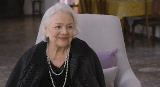 Η Μαίρη Λίντα ξεσήκωσε το Γηροκομείο Αθηνών με τα τραγούδια της – βίντεο