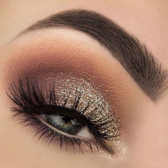 Propozycje inspiracje makijażów sylwestrowych