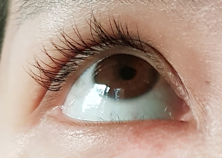 c19b088f5c4 See how clean and natural they look, most lash extension salons and  technicians tend to be heavy handed with the glue at the lash root.