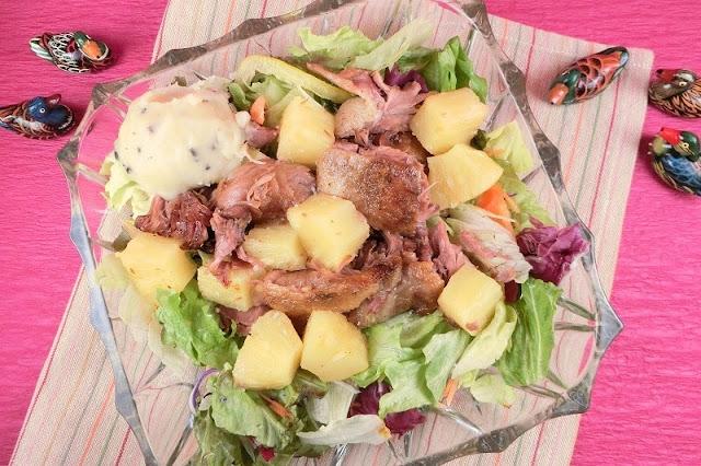 鴨のコンフィとパイナップルの塩レモンソース