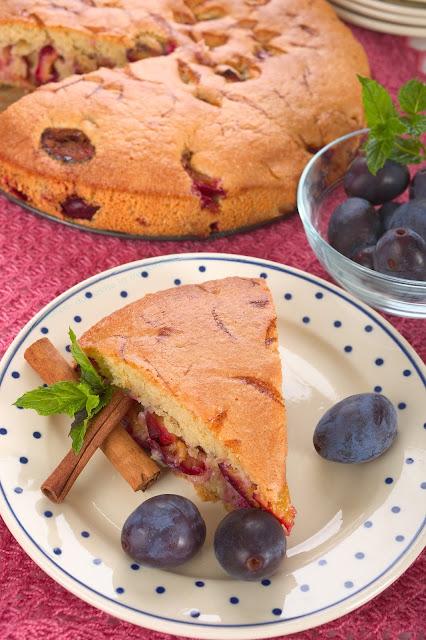 Zwetschgen-Kuchen mit Dinkel-Mehl. Edyta Guhl.