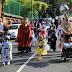 La bajada de disfraces de las fiestas de Lutxana saca a las calles a cientos de personas
