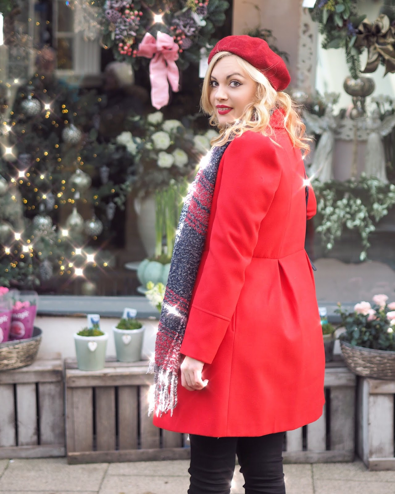 Santa Claus is Coming to Town, Katie Kirk Loves, UK Blogger, Fashion Blogger, Fashion Influencer, Style Blogger, Style Influencer, Outfit Ideas, Outfit Post, Festive Outfits, Christmas Outfit Ideas, Christmas Eve Outfit, Oasis Fashion, Oasis Sale, Christmas Jumper, The Perfect Red Coat, Christmas Red Coat, Happy Christmas Eve