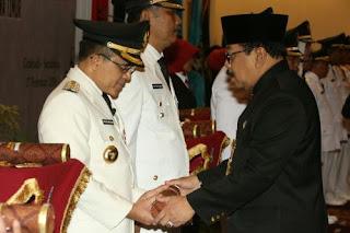 Azwar Anas dilantik sebagai bupati Banyuwangi periode kedua.