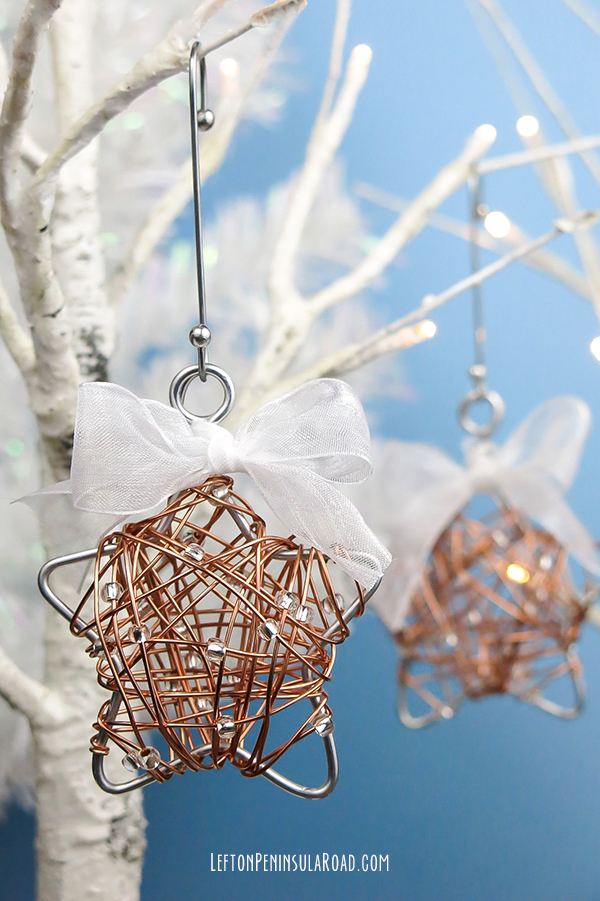 Pretty Wire-Wrapped Star ornaments. Perfect for your Christmas tree!