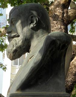 προτομή του Νικόλαου Πολίτη στην Καλαμάτα