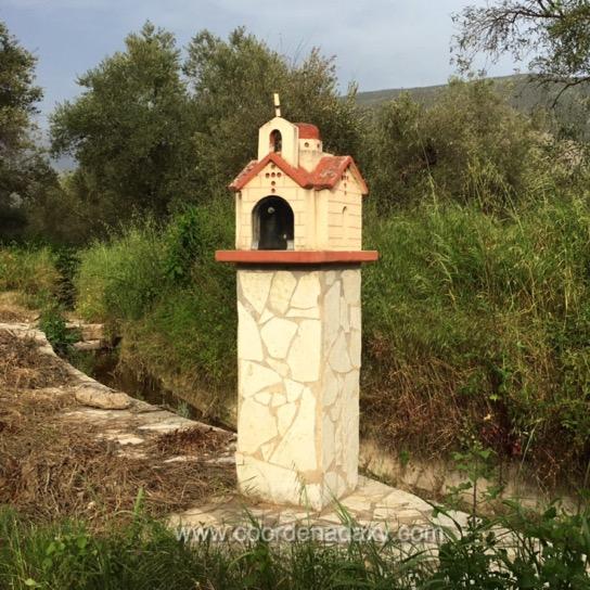 Estradas na Grécia - igrejas
