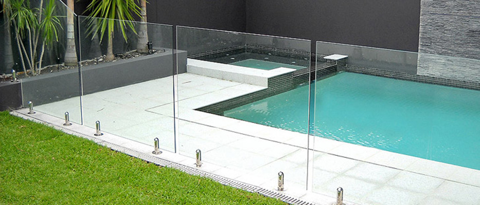 Reasons and Benefits of a Glass Pool Fencing Installation in ...