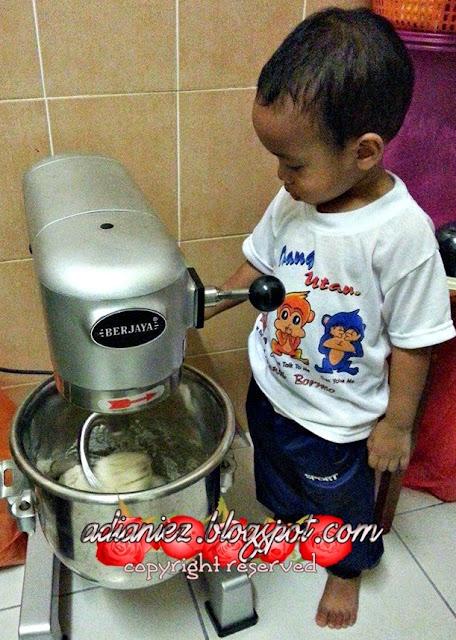 Oven Panas | Roti Manis Untuk Emak